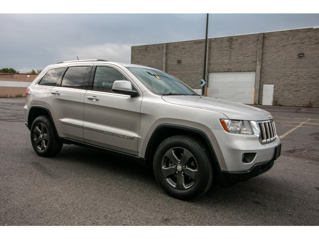 Pre Owned 2012 Jeep Grand Cherokee Laredo 4x4 3.6L V6 Jeep