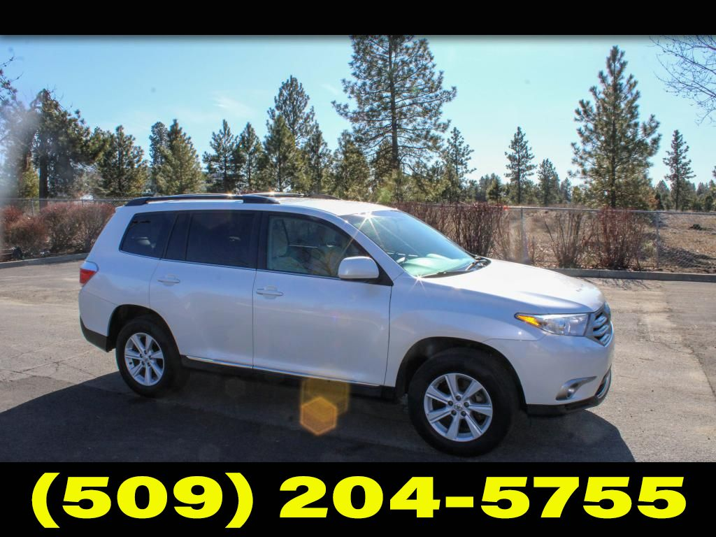 Pre-Owned 2013 Toyota Highlander Plus 3,5L V6 4x4 SUV