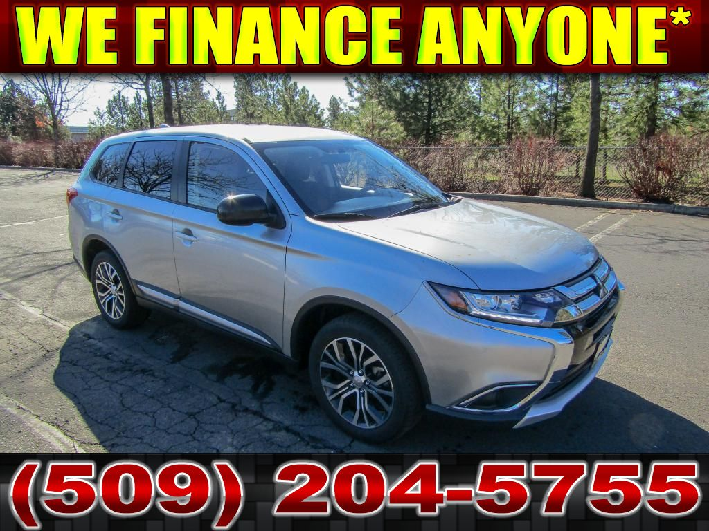 Pre-Owned 2018 Mitsubishi Outlander ES 2.4L All Wheel Drive SUV